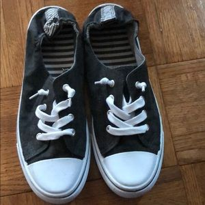 Maurice's shoes